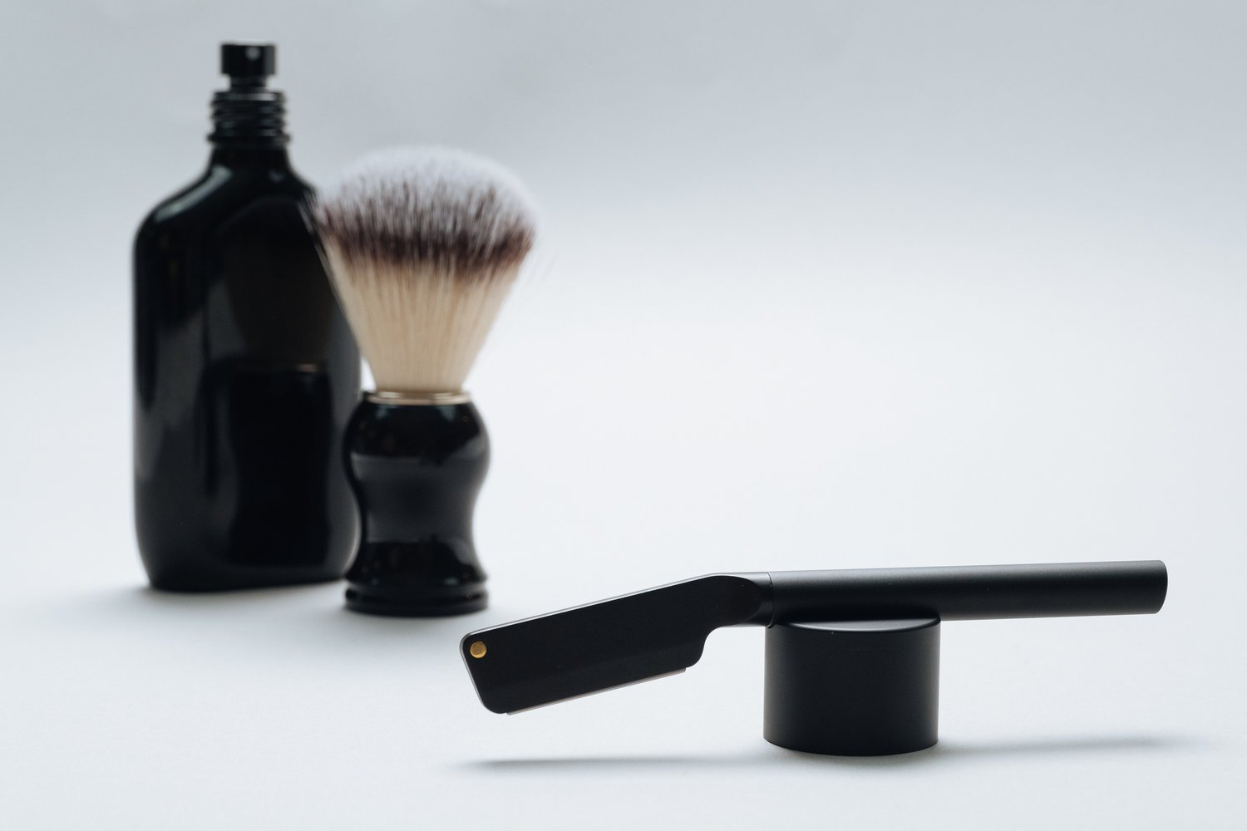 Angle straight razor scheermes